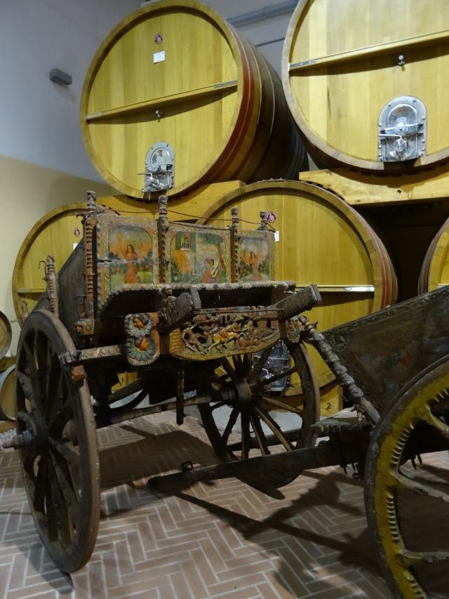 Wóz, jakich niegdyś używano do transportu Marsali do portu