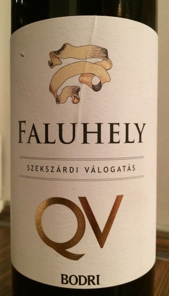 08. Faluhely red